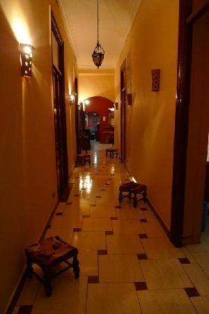 Paris Hotel : corridor