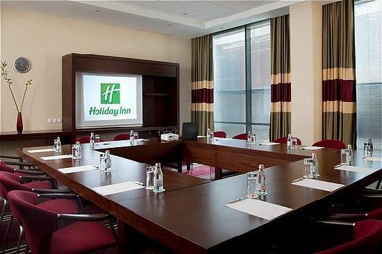 Holiday Inn Sofia: Rodopi Boardroom Set Up
