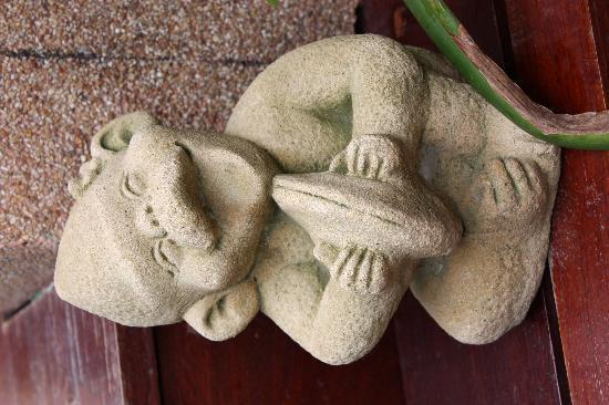 Samui Jasmine Resort: statue