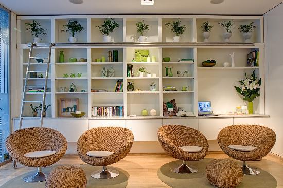 Casa Calma Hotel: Hotel Library