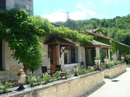 Le Moulin De Vigonac: UN APERCU DE L'ENTREE