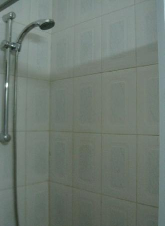 Al Zatari: Good shower