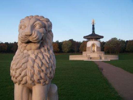 Милтон Кейнс, UK: Peace Pagoda, Milton Keynes