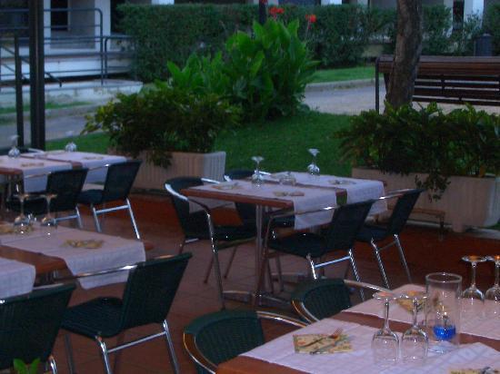 Les Palmeres de Can Quim: magnifica terraza para ir con niños