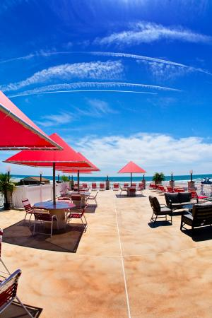 Matador Oceanfront Resort: Brand New 4th Floor Sundeck!