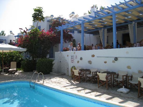 بانوراما هوتل: Paros PANORAMA,terrasse et piscine