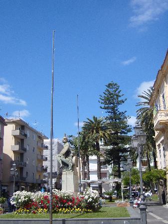 Sant'Agnello, İtalya: piazza