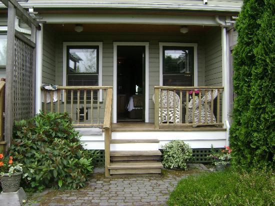 The Wild Iris Inn: Our deck