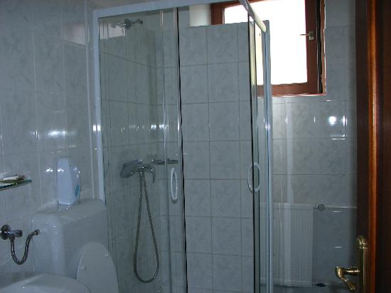 Villa Korall Pension: Bathroom