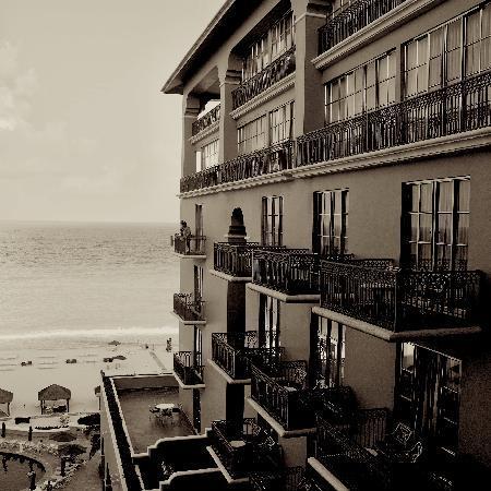 The Ritz-Carlton, Cancun : Corner balcony