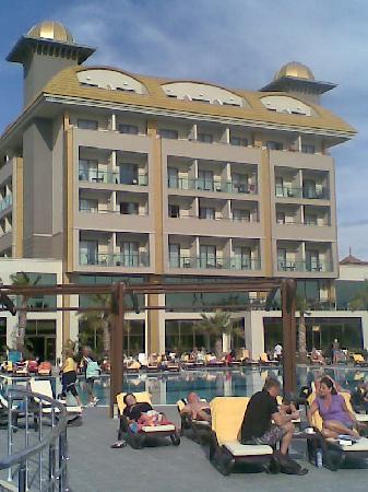 Aydinbey King's Palace Spa & Resort: Liegen werden ab 6 Uhrfrüh belegt