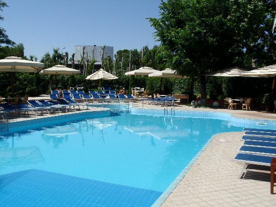 Best Western Congress Hotel: Pool