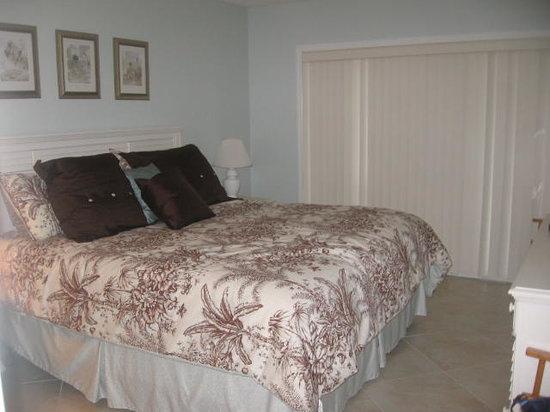 Amelia Surf & Racquet Club : bedroom