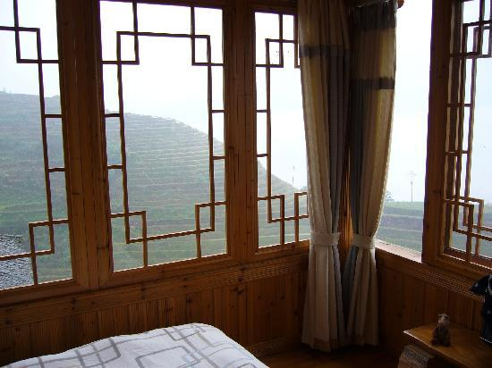 Long Ji One Hotel : room view (180yuan a night) - thought there are cheaper rooms