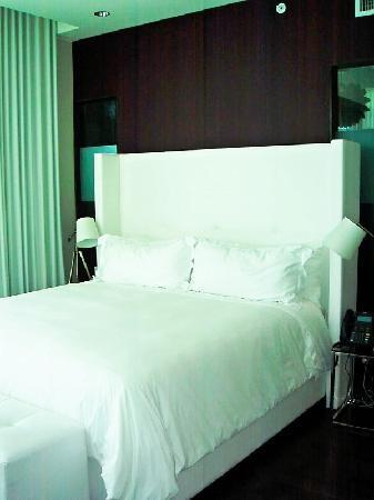 Prime Hotel Bed