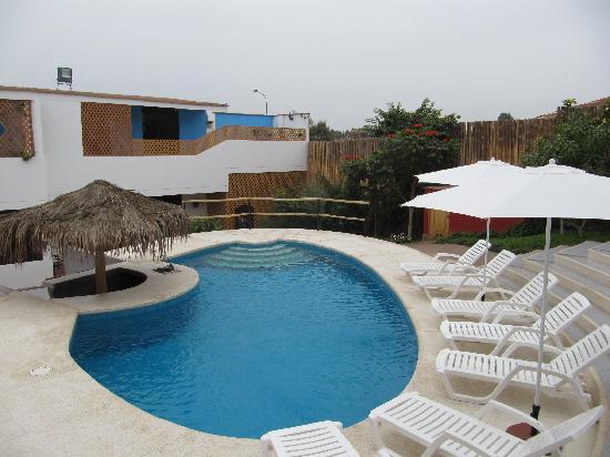 Hotel Villa Jazmin: Swimming pool