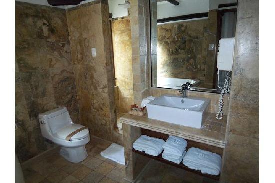 Hatun Inti Boutique Machupicchu: Our bathroom at Hatun Inti