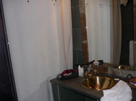 Apartamentos El Tiempo : Salle de bain