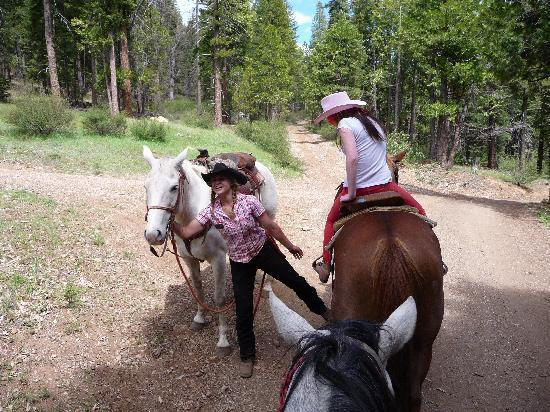 Greenhorn Creek Guest Ranch: Riding