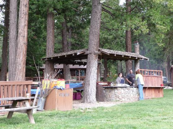 Greenhorn Creek Guest Ranch: BBQ