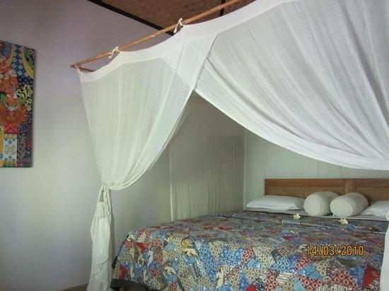 Cili Emas Oceanside Resort: eines der Zimmer