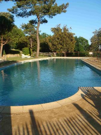 Hameau du Sentier des Sources : Pool
