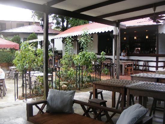 Basaga Holiday Residences: Restaurant area
