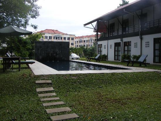 Basaga Holiday Residences: Pool area