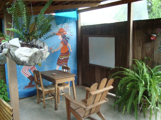 Matagalpa Spanish School: Outside classroom, very nice!