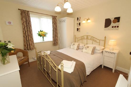 Ferndene Guest House : Double en-suite room 6