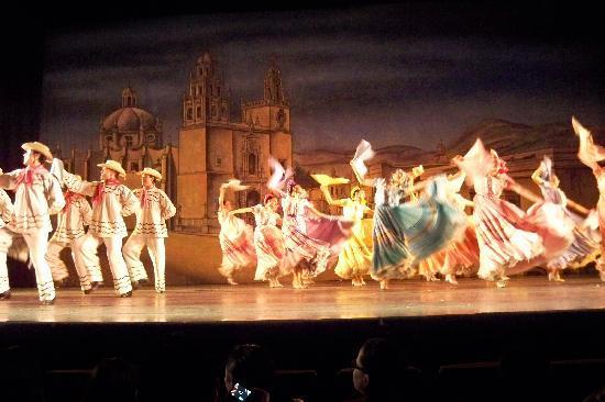 Ballet Folklorico de Mexico: fun