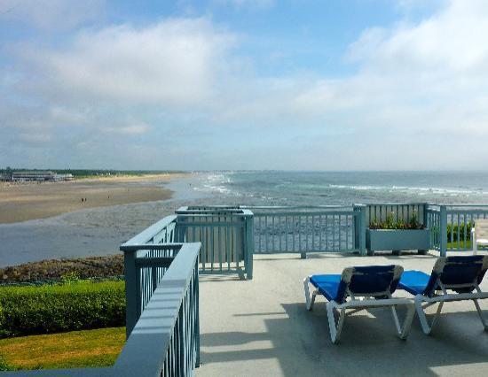 The Beachmere Inn : The view from our deck