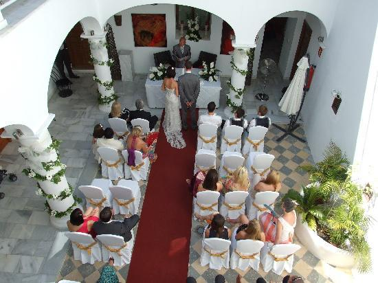 Hotel Palacio Blanco: Aerial Shot of Rachel and John´s Wedding