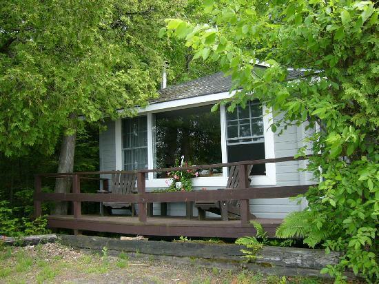 Bonnie View Inn : The Honeymoon Chalet was awsome!