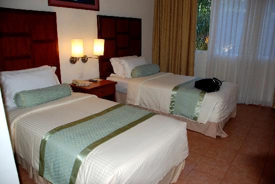 Hulhule Island Hotel: 1