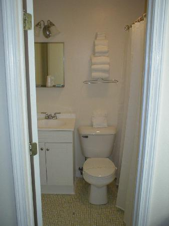 Βόρειο Kingstown, Ρόουντ Άιλαντ: Immaculately Clean Guest Bathroom