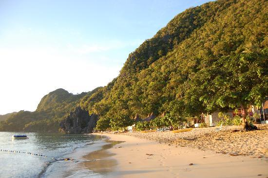 Caramoan, Filipinas: Hunongan beach