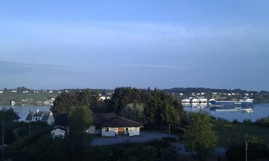 Haugesund, Noruega: View from room looking onto Karmsundet channel and Karmoy island