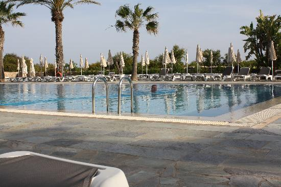 Nissi Beach Resort: The fabulous pool