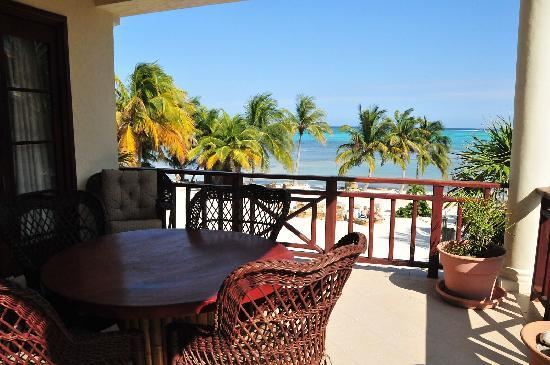 La Beliza Resort: Deck