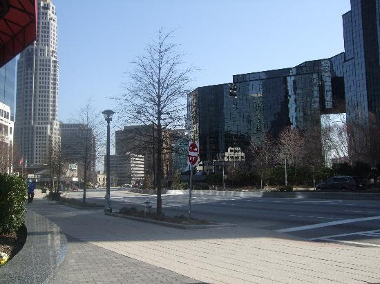 DoubleTree by Hilton Hotel Atlanta - Buckhead: Around the corner