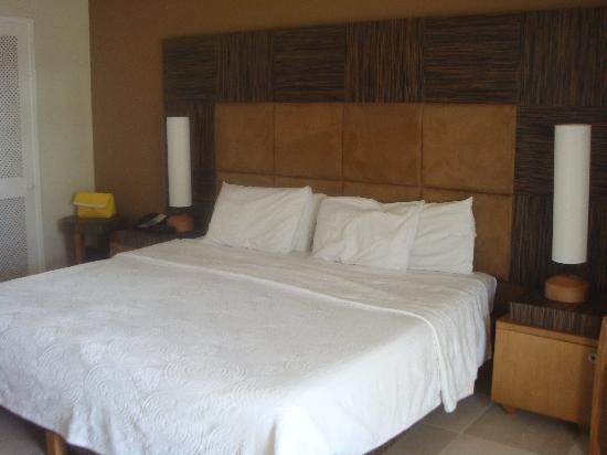Island Inn Hotel: Bedroom