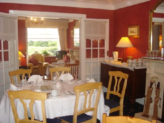 Almara Bed & Breakfast Dublin: Almara Breakfast Room surrounded with quiet Irish music,overlooking waterfall in landscaped gard