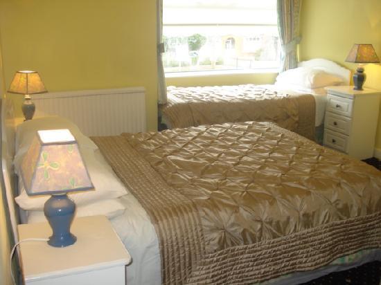 Almara Bed & Breakfast Dublin: Almara sample ensuite bedroom photo