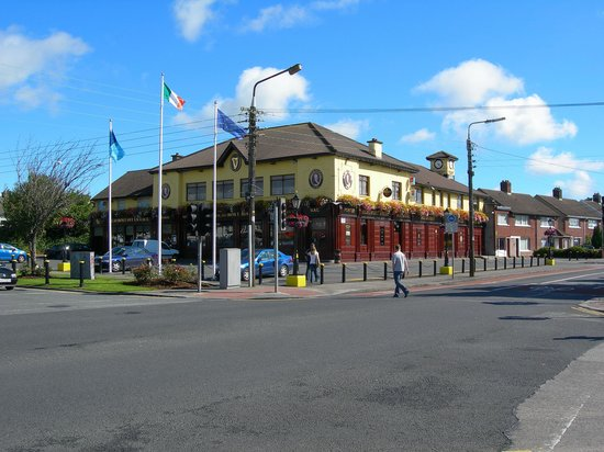 Almara Bed & Breakfast Dublin: Almara's local Pub and Restaurant - the Beaumont House - see map on