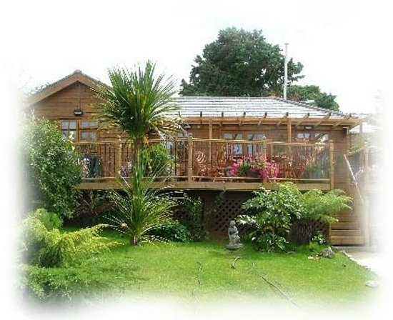 The Summer House at Ivar Cottage : Bed and Breakfast bembridge Isle Of Wight