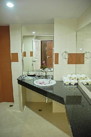My Hotel: Bathroom