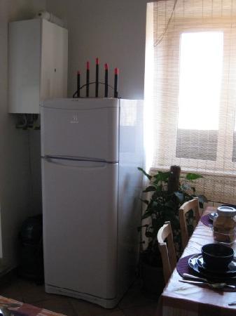 Sixtythree B&B: The kitchen area