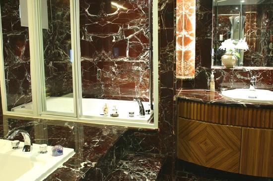 Beauty Hotels Taipei - Hsuanmei Boutique: VIP bathroom