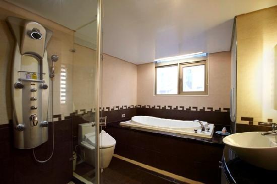 Beauty Hotels Taipei - Hsuanmei Boutique: Executive bathroom